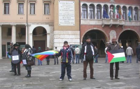 in piazza per Palestina 25 gen.